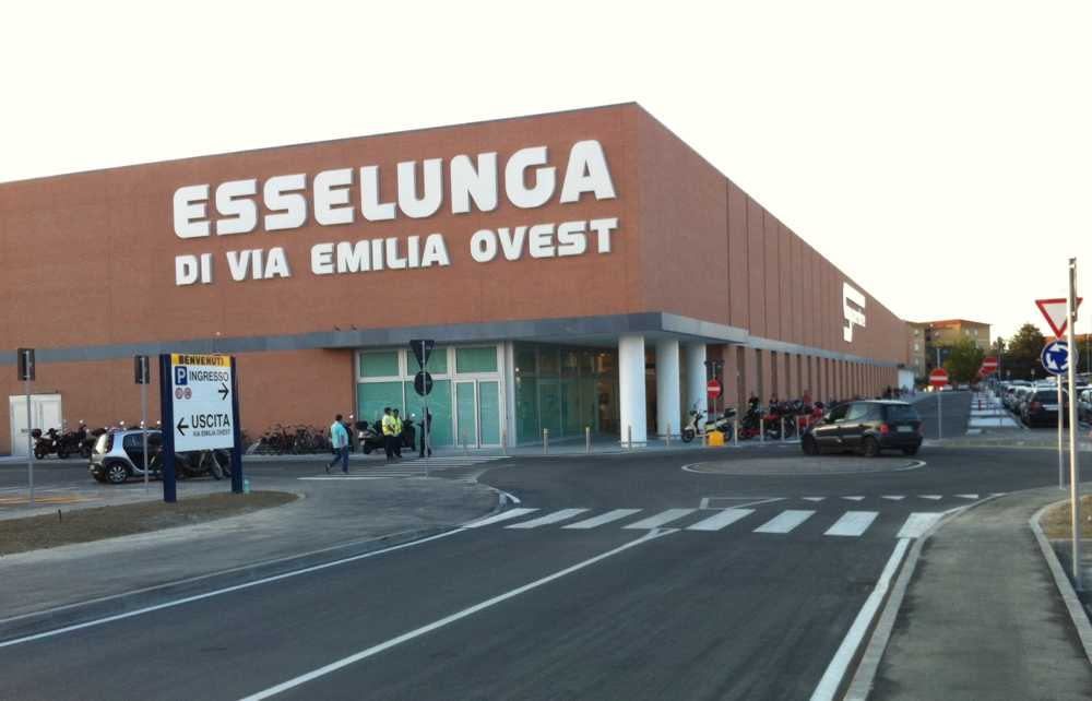 centro commerciale - esselunga