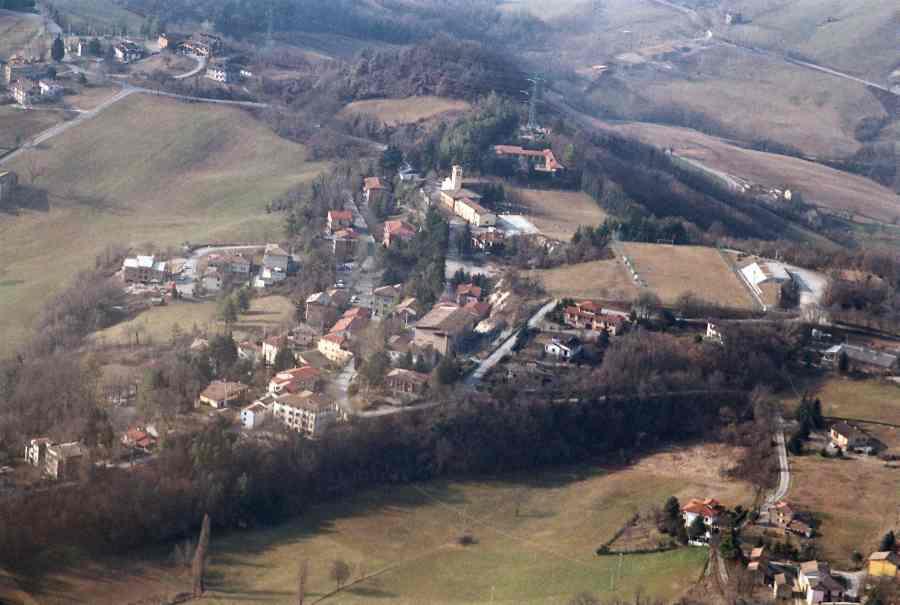 Neviano degli Arduini borgo Parma